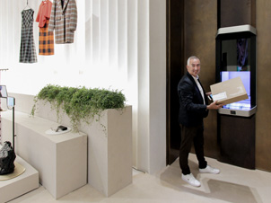 Cleveron e Intelligent Delivery en Zara Cinema (Milan)